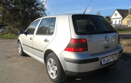 VW Golf automobilis