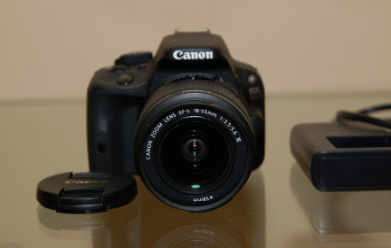 Canon EOS 100D su EF-S 18-55 m IS STM